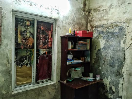 Ứa lệ trong đêm trắng ở căn nhà xập xệ của nữ công nhân môi trường tử nạn - Ảnh 8