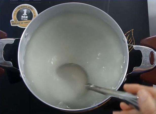 2 cách làm rau câu dừa thanh mát cho ngày nắng nóng, ai ăn cũng mê ngay - Ảnh 3