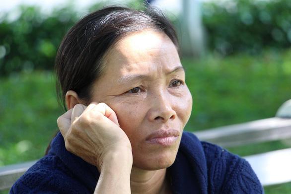 Mẹ rơi nước mắt: 'Xin chủ nghỉ mấy tiếng về đưa con đi thi mà không gặp' - Ảnh 17