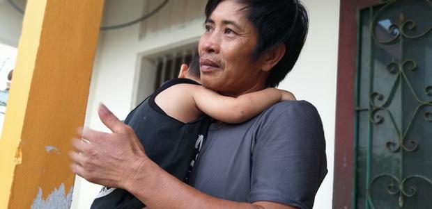 Bé trai 18 tháng tuổi thoát chết kỳ diệu sau vụ tai nạn nghiêm trọng khiến cả gia đình nhập viện ở Ninh Bình - Ảnh 2
