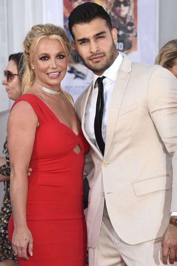 Britney Spears xuất hiện với thân hình to thô kệch sau 2 năm lặn mất tăm khỏi Hollywood - Ảnh 5
