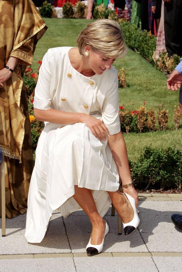 4 mẫu giày cao gót được Công nương Diana lăng xê từ 20 năm trước, đến nay vẫn hot bất chấp mọi thời đại - Ảnh 5