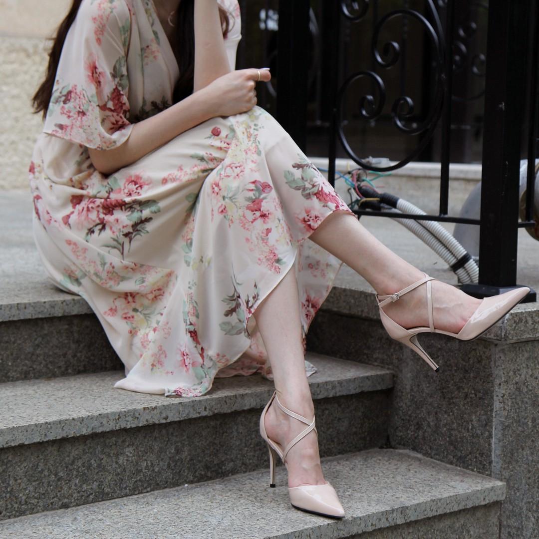 4 mẫu giày cao gót được Công nương Diana lăng xê từ 20 năm trước, đến nay vẫn hot bất chấp mọi thời đại - Ảnh 8
