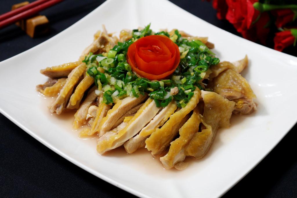 Cách làm món gà hấp hành thơm ngon chuẩn vị giúp thay đổi khẩu vị cho cả gia đình - Ảnh 4