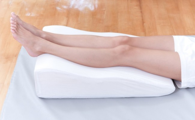 Những mẹo cực đơn giản để chữa các vết bầm do thường xuyên té ngã - Ảnh 2