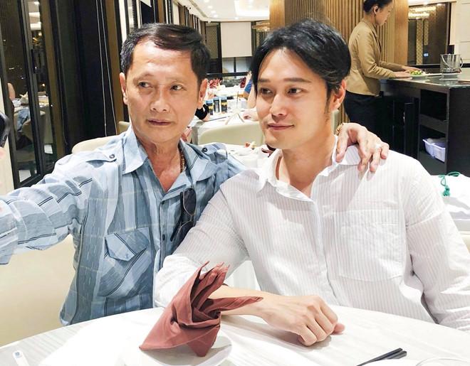 Quang Vinh lần đầu đăng ảnh chụp chung với bố để bác tin 'thiếu gia nhà Nguyễn Kim' - Ảnh 1