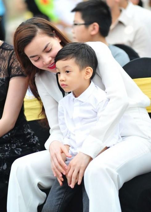 Thanh Thảo hoang mang khi lần đầu làm mẹ, Hồ Ngọc Hà vào mách ngay bí kíp dưỡng da, thu nhỏ 'cô bé' sau sinh - Ảnh 3