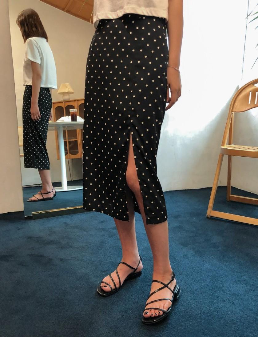 Không phải váy và loại giày nào cũng ăn ý với nhau, nhưng bạn diện 4 công thức sau thì dứt khoát đẹp - Ảnh 2
