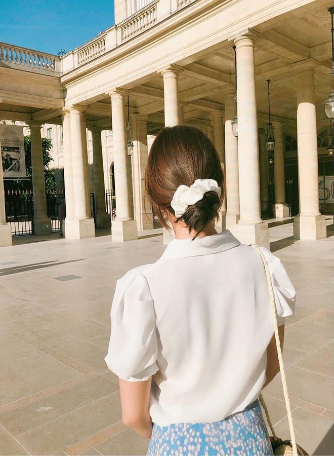 Jennie, Nayeon, Irene… đều mê mẩn chun buộc tóc từ thời các mẹ, các cô nàng nên sắm ngay để diện trong mùa tựu trường - Ảnh 10