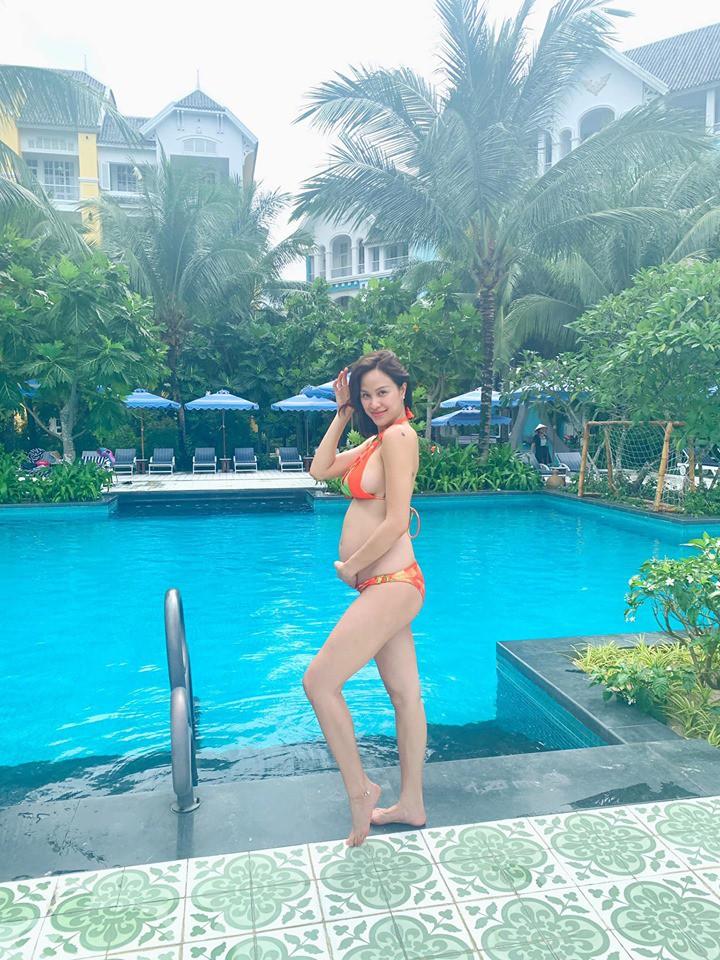 Mang thai 6 tháng vẫn đi giày cao gót cao 'chót vót', Phương Mai khiến dân tình trầm trồ vì thân hình gợi cảm không hề giống bà bầu - Ảnh 5