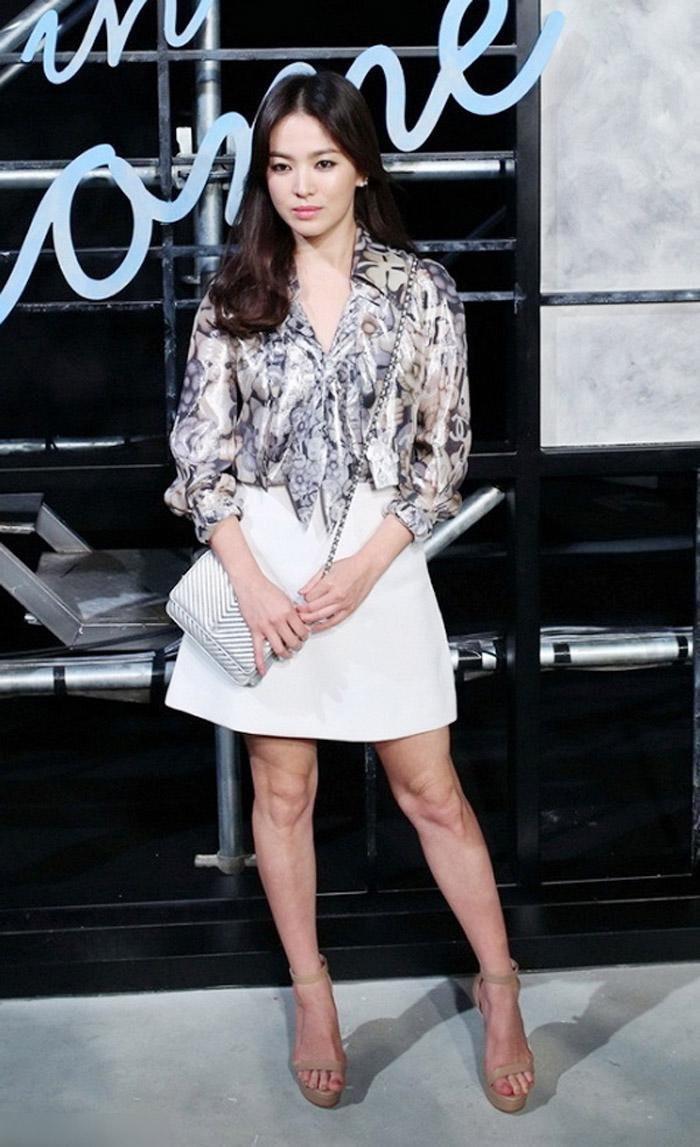 Song Hye Kyo cũng có nhược điểm vóc dáng gây tự ti và đây là 2 cách cô chọn trang phục để khắc phục điều này - Ảnh 4