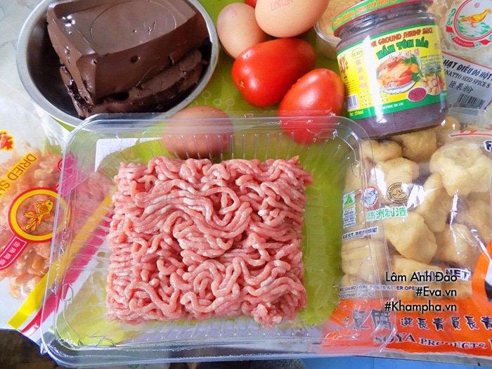Tự nấu bún riêu thịt thơm ngon, đủ chất cho bữa sáng cả nhà không phải ăn hàng nữa - Ảnh 1