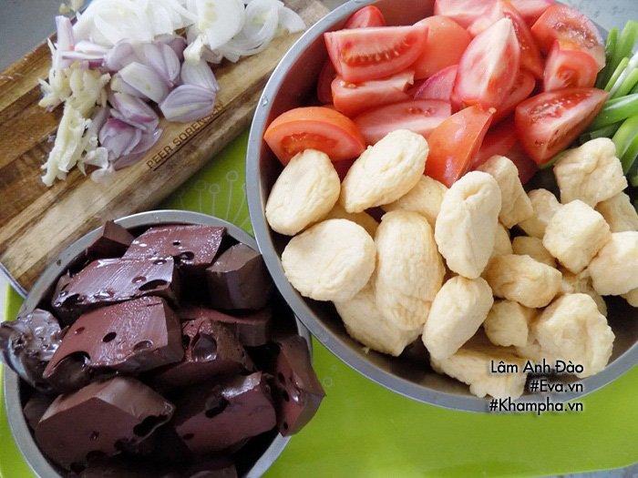 Tự nấu bún riêu thịt thơm ngon, đủ chất cho bữa sáng cả nhà không phải ăn hàng nữa - Ảnh 2