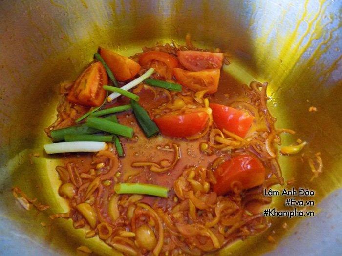 Tự nấu bún riêu thịt thơm ngon, đủ chất cho bữa sáng cả nhà không phải ăn hàng nữa - Ảnh 4