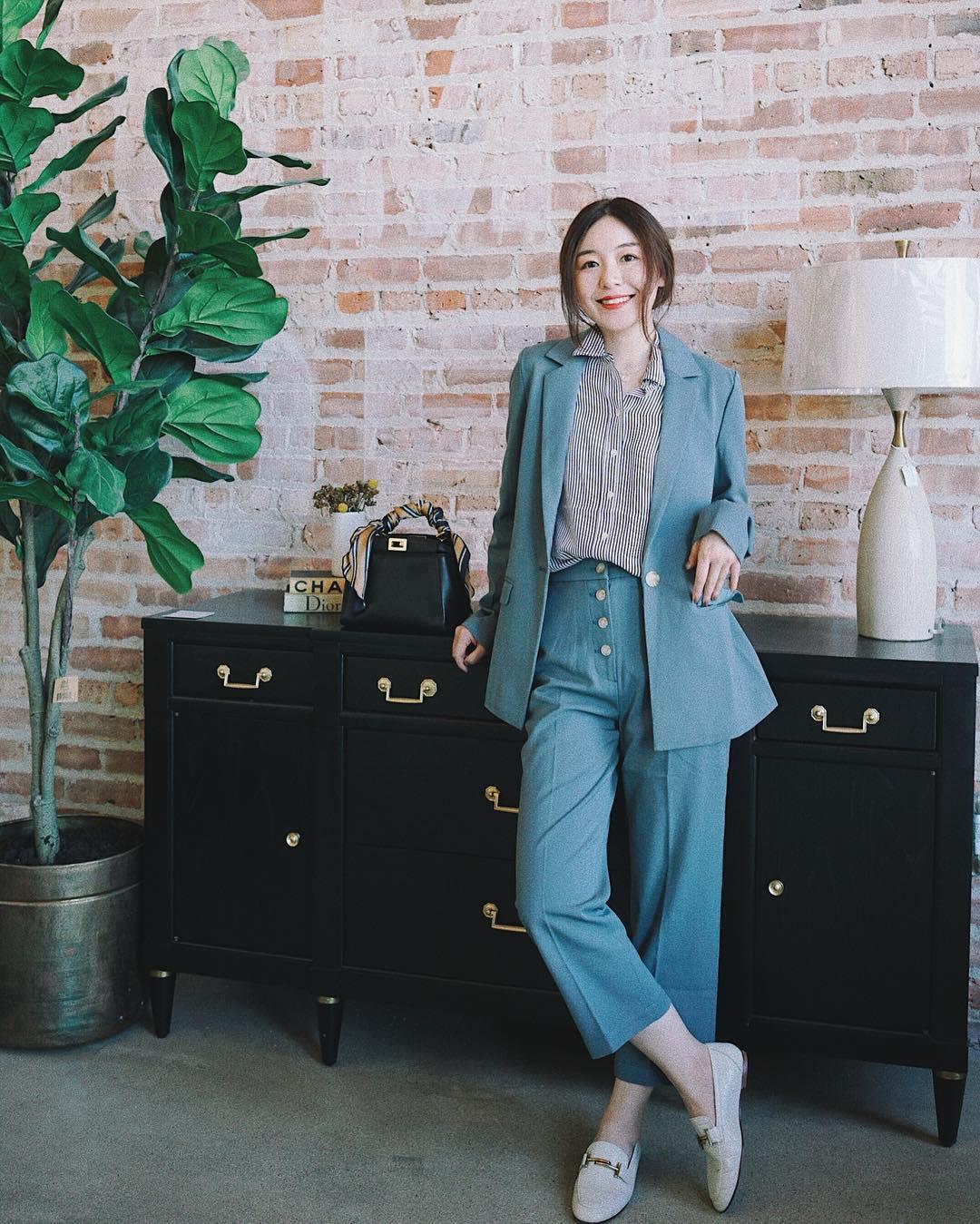 """Nếu thấy style công sở của mình hơi """"dừ"""" và cứng nhắc thì đây là 5 tips diện đồ giúp các nàng ăn gian tuổi đáng kể - Ảnh 8"""