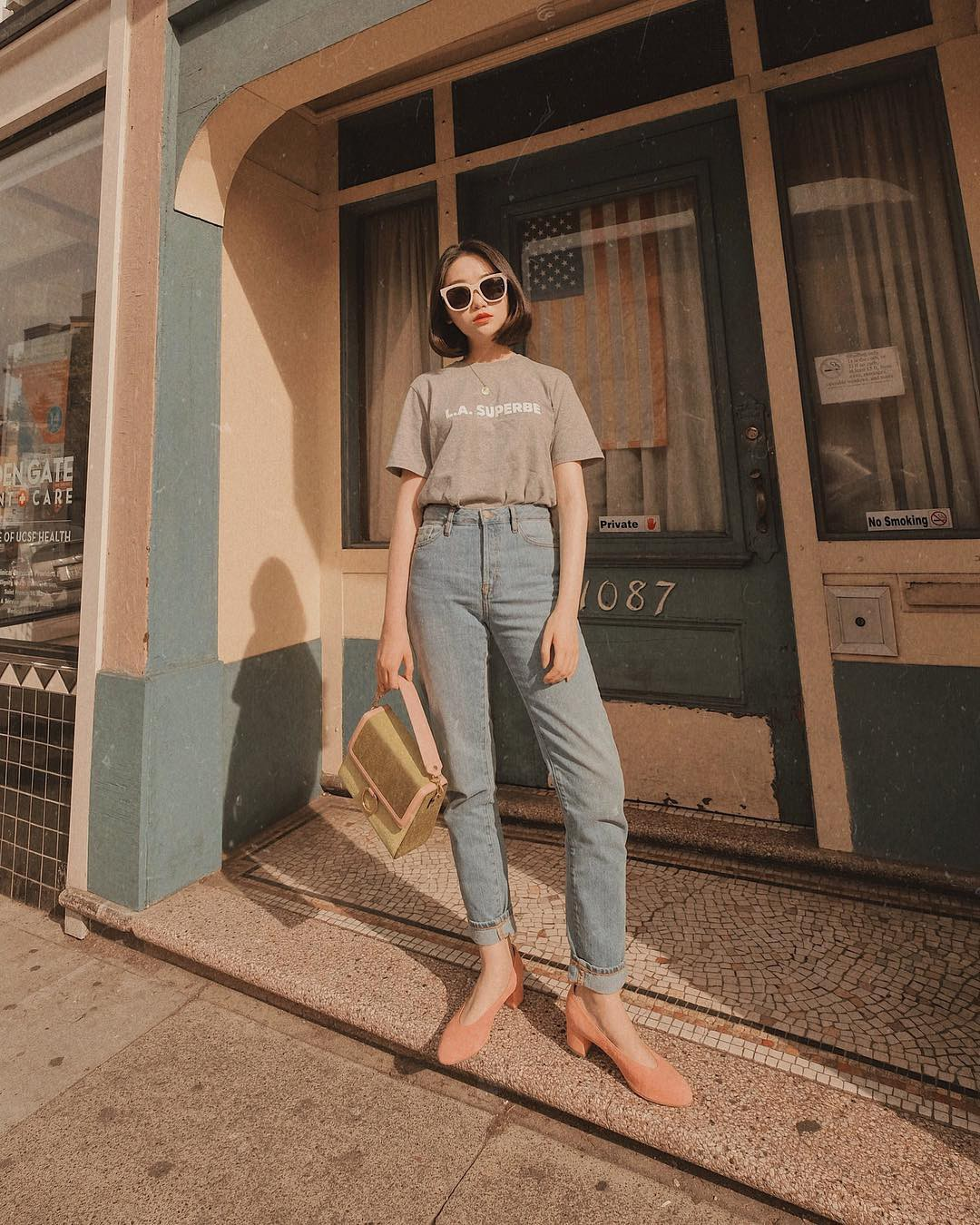 Đã tìm ra kiểu quần jeans vô địch về khoản hack tuổi, nhưng vẫn thanh lịch chẳng kém quần jeans trắng - Ảnh 2