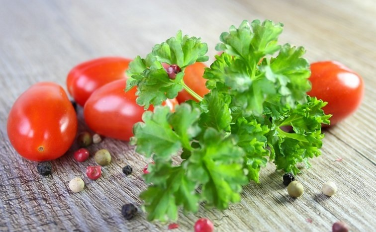 Thứ rau luôn sẵn có trong nhà bếp này không chỉ là gia vị ngon mà còn cực hữu ích để chữa bệnh vào mùa se lạnh - Ảnh 4