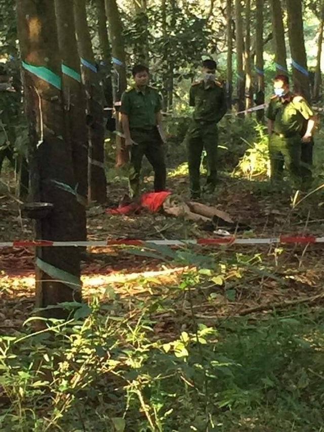 Vụ thiếu nữ 16 tuổi chết lõa thể trong rừng cao su: Nghi can thích xem phim 'đen' và chụp ảnh 'lừa tình' - Ảnh 1