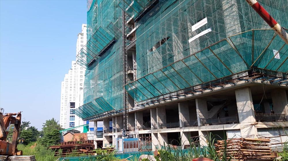 """TP.Hồ Chí Minh: Khách mua nhà """"hoảng hốt"""" vì dự án """"đứng hình"""" - Ảnh 2"""