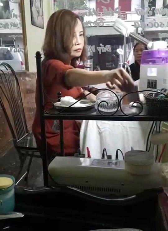 Cô dâu 62 tuổi bức xúc, tuyên bố ngày livestream 3 lần sau khi xuất hiện clip fake 'bị bắt vì liên quan đường dây mại dâm' - Ảnh 3