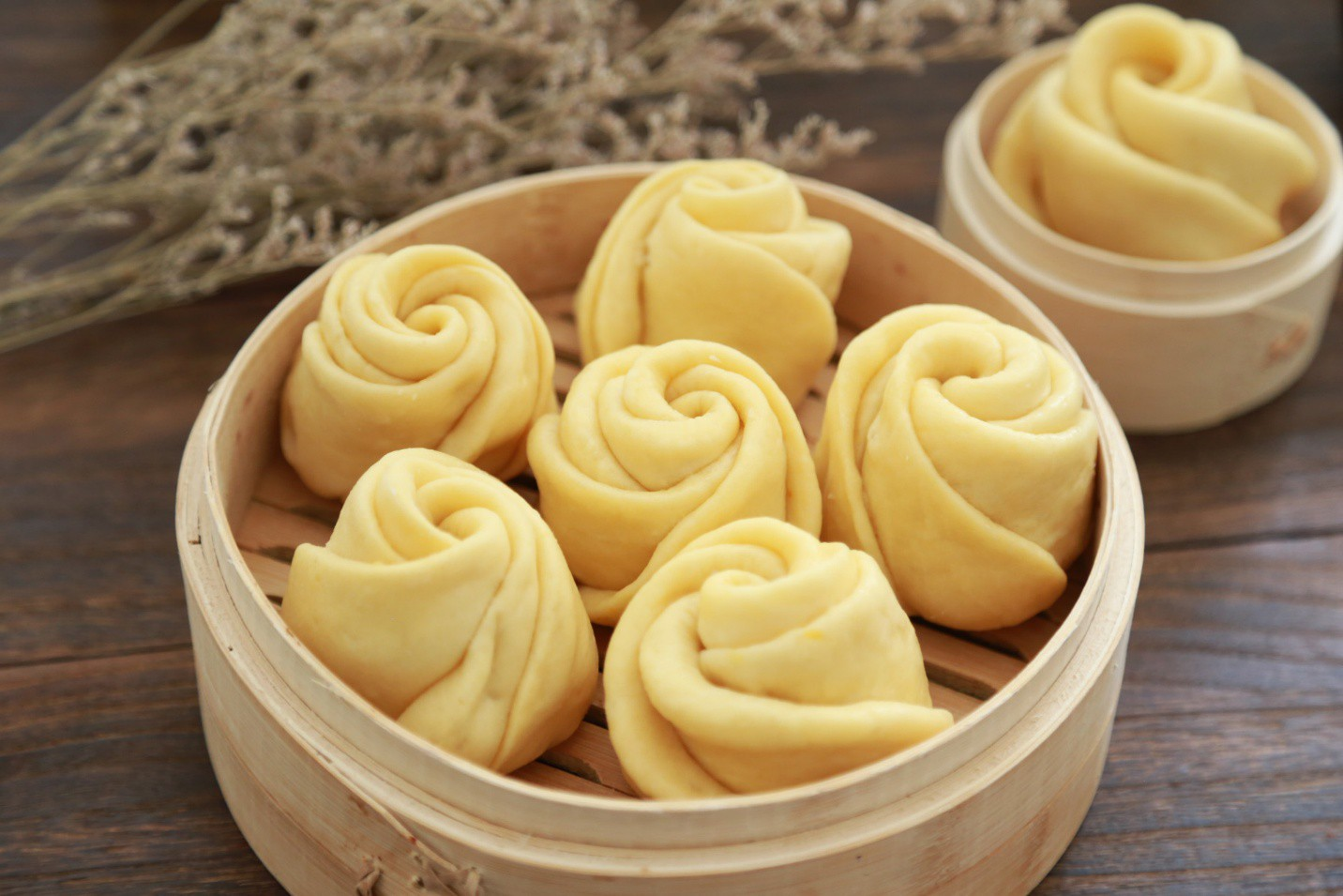 Cách làm bánh bao hoa hồng: Tưởng không dễ mà dễ không tưởng! - Ảnh 1