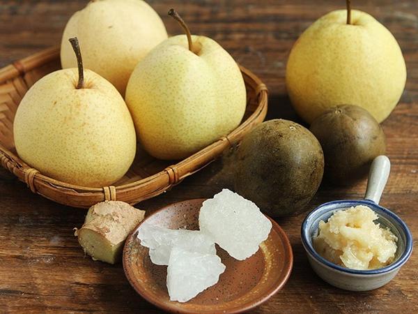 Trời lạnh nấu ngay một hũ siro trái cây pha trà phòng trừ cảm cúm - Ảnh 1