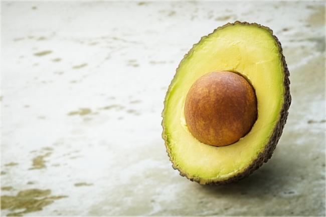 Chăm chỉ bổ sung 5 loại thực phẩm này, bạn sẽ sở hữu làn da căng mướt và trông trẻ hơn đến 10 tuổi  - Ảnh 1