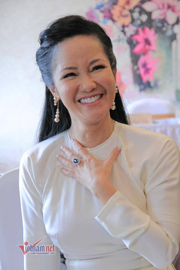 Hồng Nhung: 'Bố mẹ tôi ly dị không kịch tính bằng chuyện tôi và chồng cũ' - Ảnh 2