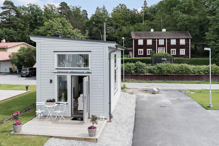 Ngôi nhà nhỏ rộng vỏn vẹn 19m² vẫn hiện lên xinh xắn với đầy đủ tiện nghi, ai yêu thích cuộc sống độc lập cũng thích - Ảnh 1