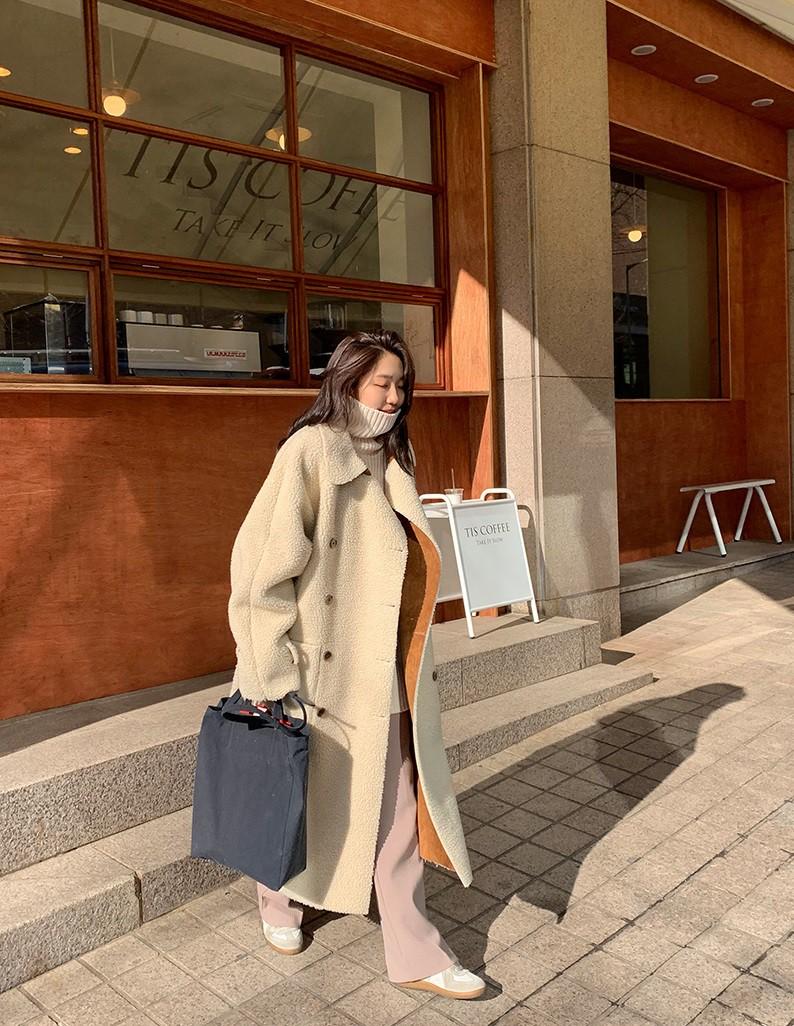 Bộ đôi áo khoác dài + quần ống rộng chẳng những không kén dáng mà còn biến mọi nàng thành quý cô sành điệu - Ảnh 3