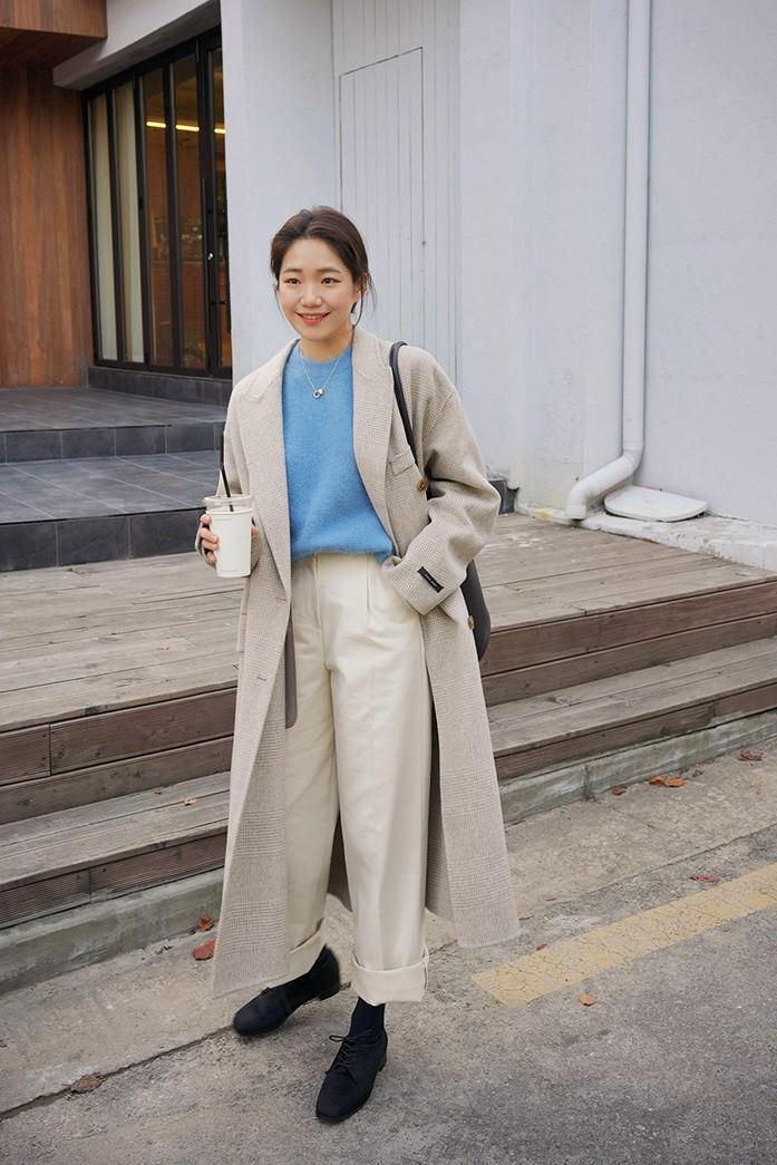 Bộ đôi áo khoác dài + quần ống rộng chẳng những không kén dáng mà còn biến mọi nàng thành quý cô sành điệu - Ảnh 7