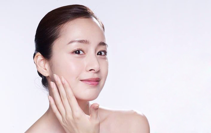 Những dưỡng chất được chuyên gia khuyên dùng để xóa sạch đốm đen, nám sạm và tàn nhang giúp da mặt trắng mịn, không tì vết - Ảnh 2