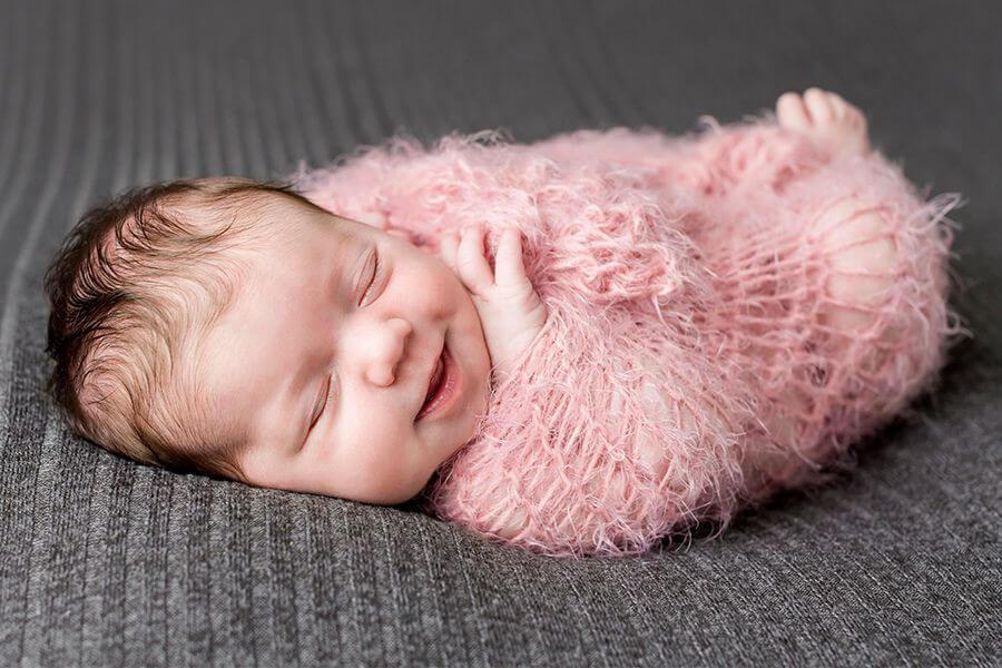 Bé sơ sinh ngủ nhiều có phải là điều đáng lo? - Ảnh 1