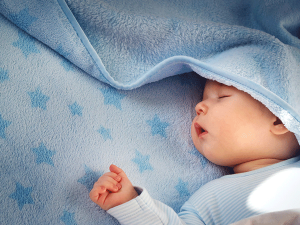Bé sơ sinh ngủ nhiều có phải là điều đáng lo?
