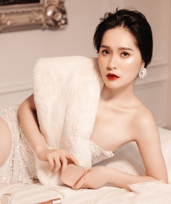 Hai mỹ nhân showbiz Việt đón thành viên mới trong năm Canh Tý - Ảnh 4