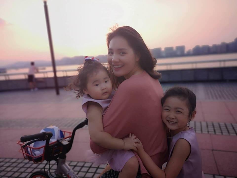 Giữa vụ ly hôn của vợ chồng 'vua cà phê' Trung Nguyên, Hoa hậu Hương Giang tự hỏi: 'Lấy chồng làm gì?' - Ảnh 6