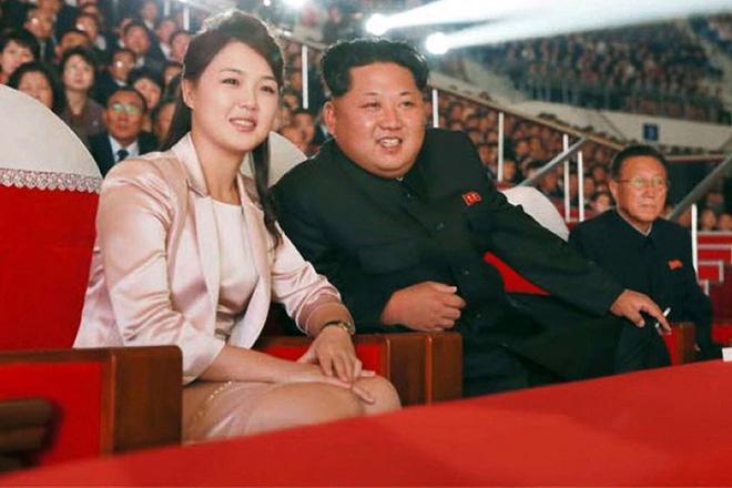 Nhan sắc yêu kiều của nữ ca sĩ là phu nhân ông Kim Jong Un, biểu tượng thời trang Triều Tiên - Ảnh 2