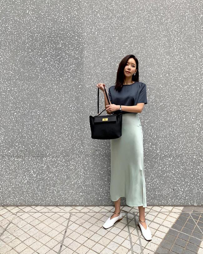 Trình mix đồ của bạn sẽ 'lên tay' hẳn sau khi tham khảo 15 set đồ này từ street style của các quý cô Châu Á - Ảnh 12