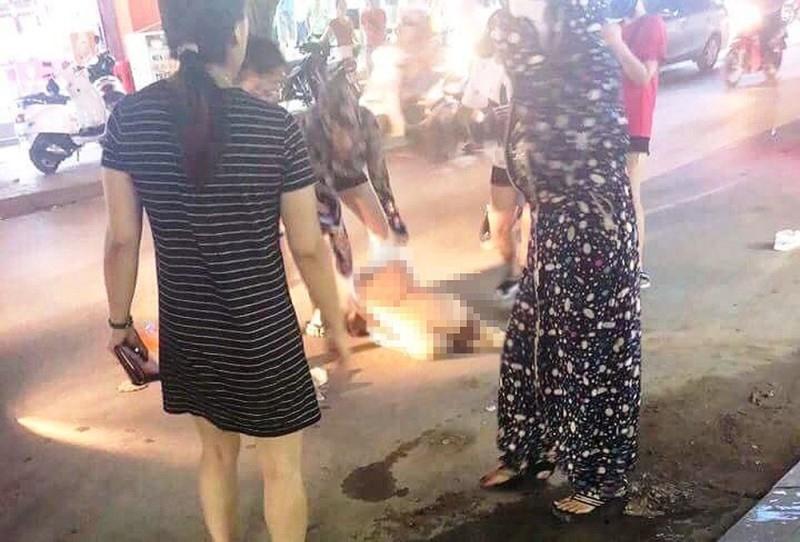 Vụ lột đồ đánh ghen, bôi ớt bột lên người tình địch ở Thanh Hoá: 3 người phụ nữ bị tuyên phạt 45 tháng cải tạo - Ảnh 2