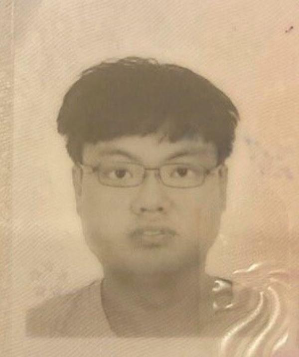 Bắt người nước ngoài buôn lậu khẩu trang y tế 'khủng' ở Sài Gòn - Ảnh 1