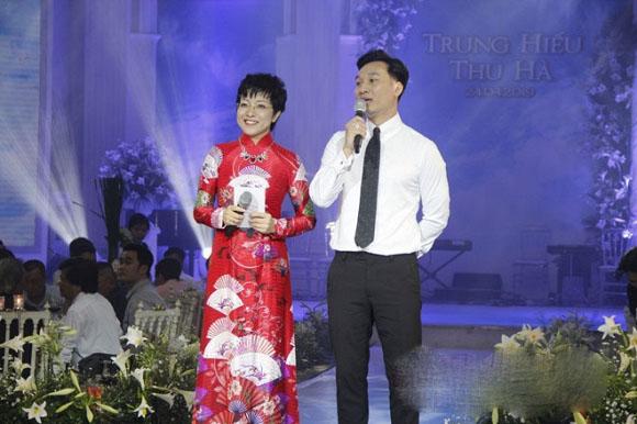 Bị đạo diễn Trần Lực chê 'giả dối' khi dẫn lễ cưới NSND Trung Hiếu, MC Thảo Vân - Thành Trung lên tiếng - Ảnh 2