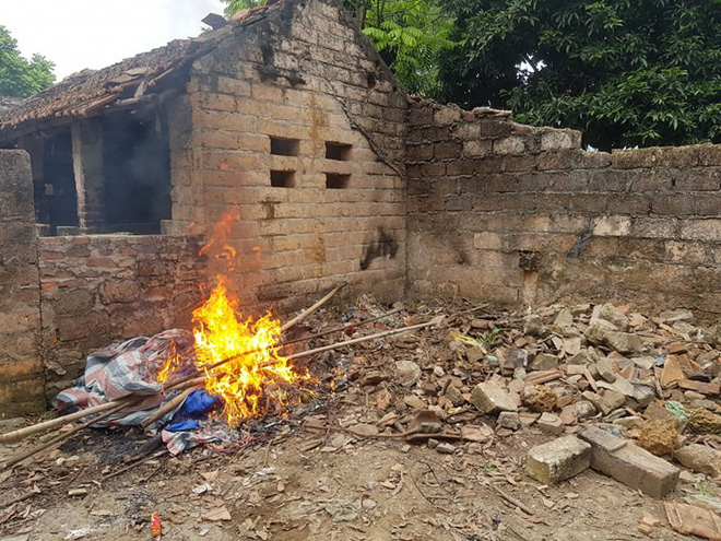 Vụ bác rể sát hại cháu trai: Thi thể trong chiếc bao tải buộc kín bị vùi lấp bởi đất đá - Ảnh 2