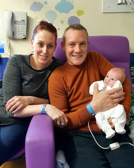 Mới sinh con được 40 phút, bà mẹ chết lặng nghe bác sĩ nói chuẩn bị tinh thần vì con rất yếu - Ảnh 5