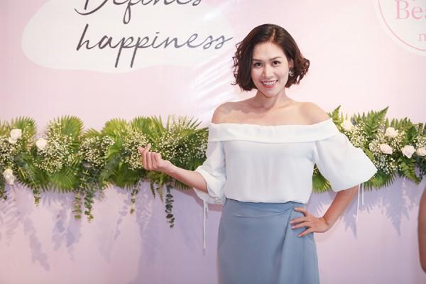 Chị Nguyệt thảo mai giờ da trắng dáng xinh, đẹp như diễn viên Hàn - Ảnh 1