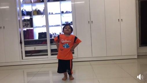 Clip con trai 3 tuổi nhà Khánh Thi – Phan Hiển nhảy dancesport cực điêu luyện gây 'sốt' - Ảnh 3