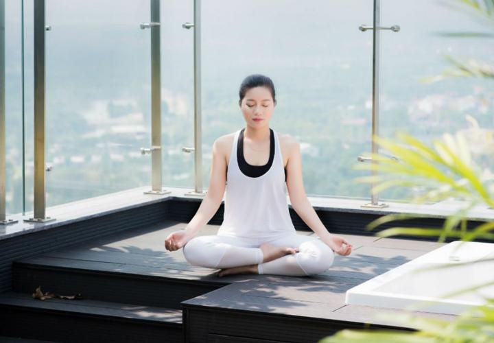 Áp dụng 9 mẹo 'dễ ợt' này khi tập động tác yoga ngồi thiền, chỉ cần hít thở vẫn giảm cân cực nhanh - Ảnh 4