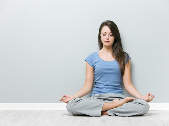 Áp dụng 9 mẹo 'dễ ợt' này khi tập động tác yoga ngồi thiền, chỉ cần hít thở vẫn giảm cân cực nhanh - Ảnh 3