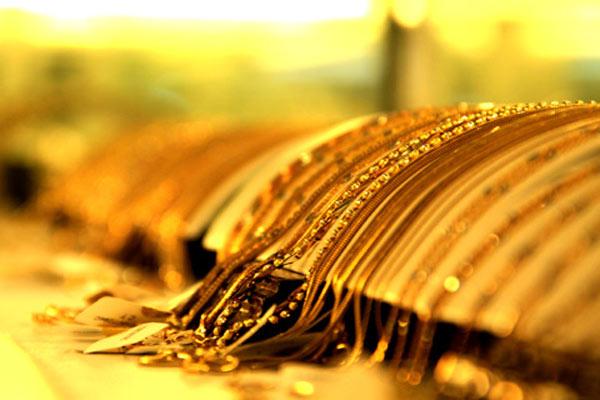 Giá vàng hôm nay 25/7: USD đầy rủi ro, vàng tiềm tàng nguy cơ - Ảnh 1