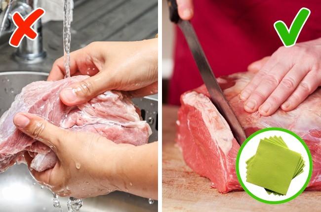 Có những thực phẩm không nên rửa và bắt buộc phải rửa trước khi dùng mà lâu nay chúng ta vẫn toàn làm ngược lại - Ảnh 2