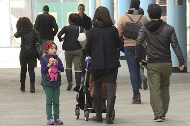 10 kỹ năng cha mẹ dạy - con áp dụng để trẻ đi lạc đường trở về nhà an toàn - Ảnh 3